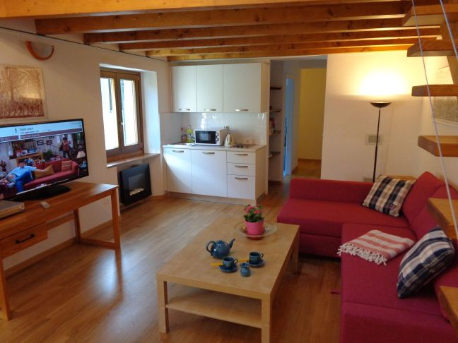 Casa di vacanze lago di lugano svizzera romantico fino 6 for Piani di casa in stile chateau francese